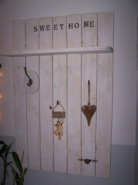 "Shabby-Chic Garderobe""Sweet Home"" von WALDECK  UPCYCLING-PRODUCTS auf DaWanda.com"
