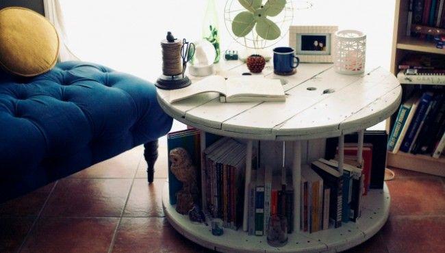 10 креативных столиков для кофе, журнальный столик, столик для хранения книг и тд. Столики своими руками из подручных средств. Как сделать столик самому, из чего сделать журнальный столик.