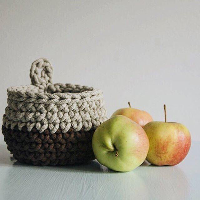 Crochet basket by Dwa Guziki   Koszyk- misa by Dwa Guziki