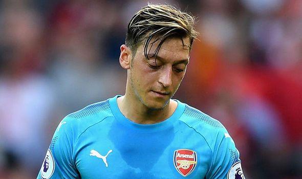 Arsenal news: Mesut Ozil lifts lid on future amid Man Utd transfer claims   via Arsenal FC - Latest news gossip and videos http://ift.tt/2zMQ0jX  Arsenal FC - Latest news gossip and videos IFTTT