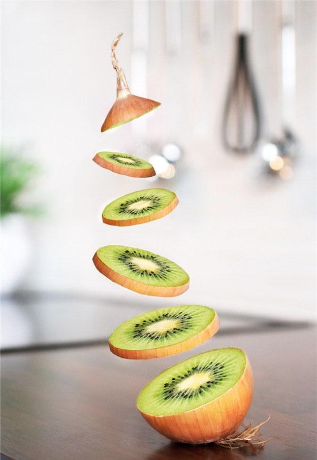 http://zipmanipulation.wordpress.com/  #hybrid #fruit #kiwi #onion