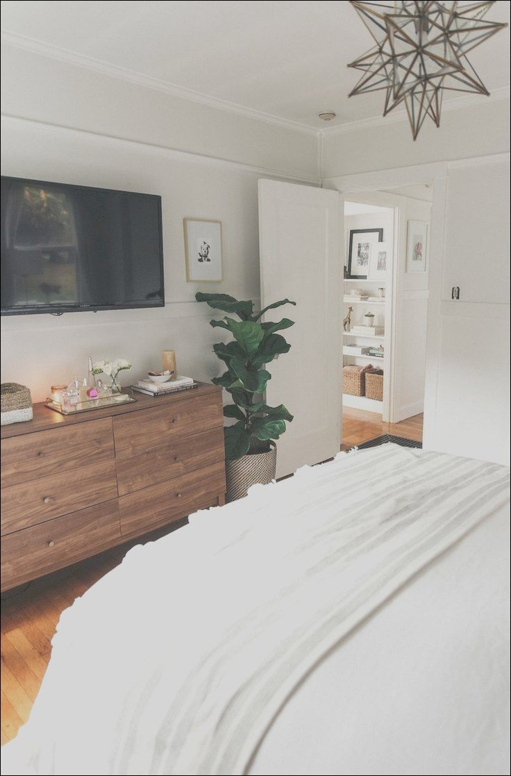 8 Petite Apartment Master Bedroom Decorating Ideas Images Small Apartment Bedrooms First Apartment Decorating Small Master Bedroom