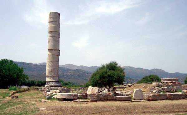 HERAION - The temple was built near the mouth of the river Imvrasos because the area was connected with the worship of the goddess even though the ground isn't so stable.
