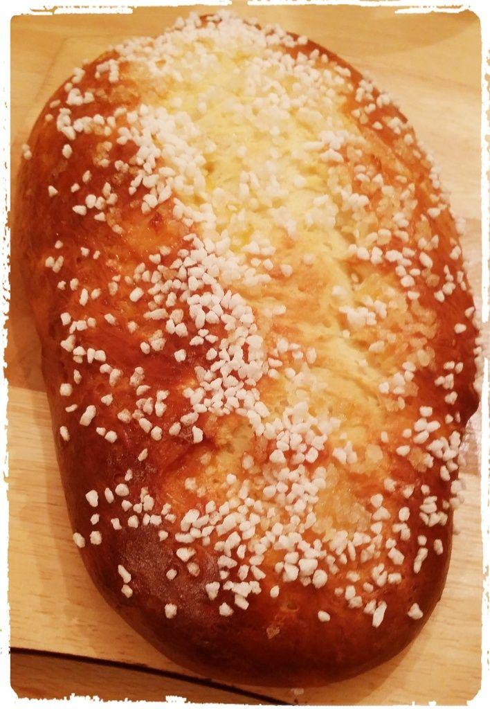 J'aimerai vous faire découvrir une recette typique corse : la panette. Cette panette est un peu notre brioche a nous. On la confectionne souvent pour le lundi de pâques ou selon la tradition, nous nous réunissons pour un grand pique nique en famille ou...