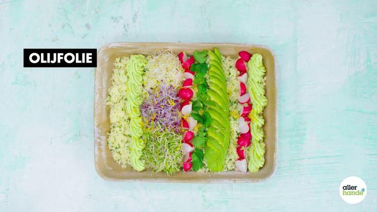 Ben je op zoek naar een lekker recept voor een salade met pasta? Ga voor een spinaziesalade met pasta en avocado. - Recept - Allerhande
