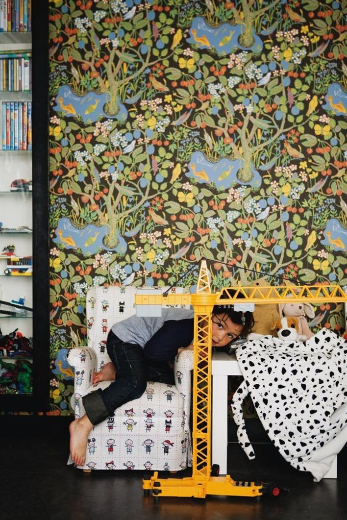 1000+ ideas about Josef Frank Tapet on Pinterest One room flat, Study room decor and Wallpaper
