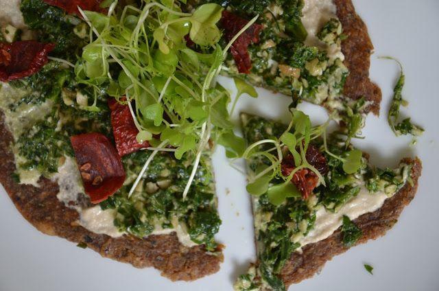 Raw Pesto and Sundried Tomato Pizza