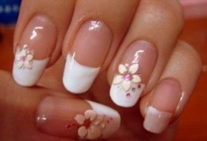 French-manicure-French nails is undoubtedly a classic. They are short nails with the next color. White tip of the nail and the nail plate natural beige or pink