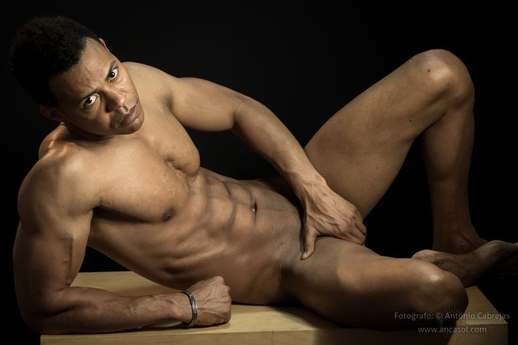 Sitios desnudos masculinos adultos