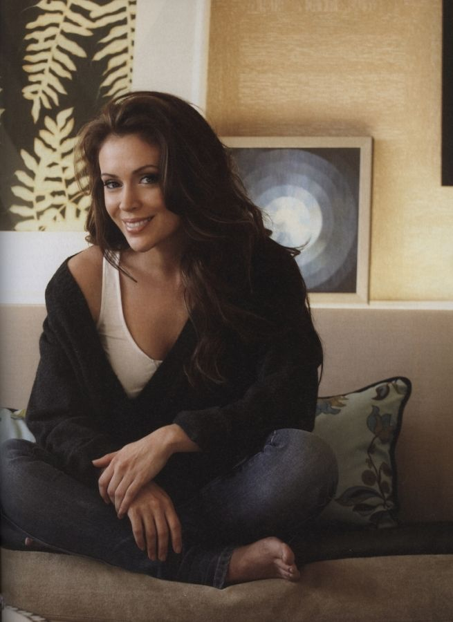Alyssa Milano- such a pretty lady