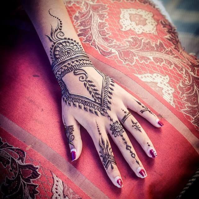hd mehndi design image for hand