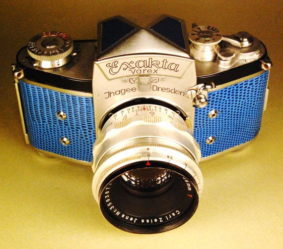 Welcome! For your consideration: A vintage German Exakta VX (version 2) 35mm camera made by Ihagee circa 1954. This one is fitted with ay CZJ