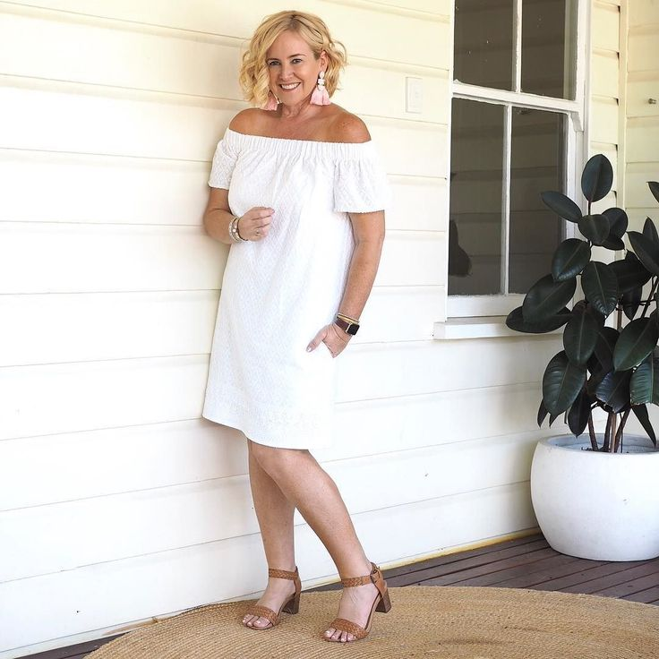 Today's #everydaystyle ... I had a fun afternoon at my first Champagne Club gathering. FYI  a Champagne Club is like book club without the books ... wearing Hunt  Kelly dress from the #stylingyoushop (follow the link in profile) and @frankie4footwear SARA heels.