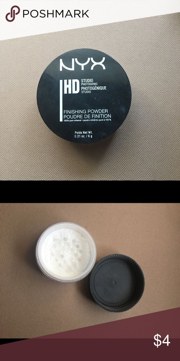 NYX Loose Powder HD powder (silica) Very nice powder, but