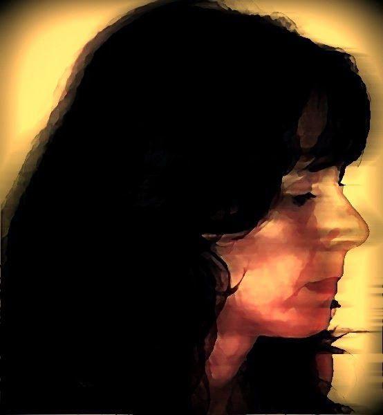 17 de agosto de 2013 Recolher-se Assim como protegemos a nossa felicidade, temos também que proteger a nossa infelicidade. Não há nada mais desgastante do que uma alegria forçada. Se você está infeliz, recolha-se, não suba no palco. Disfarçar a dor é dor ainda maior. Martha Medeiros P A T C H W O R K *d a s* I D E I A S