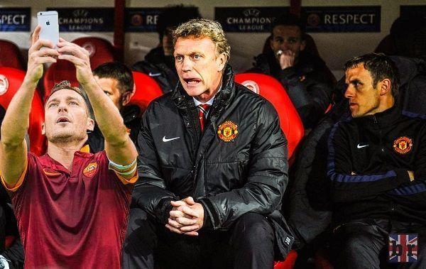 Zabawny mem z Francesco Tottim i Davidem Moyesem • Totti zrobił sobie selfie z byłym trenerem Manchesteru United • Wejdź i zobacz >> #totti #moyes #football #soccer #sports #pilkanozna #funny