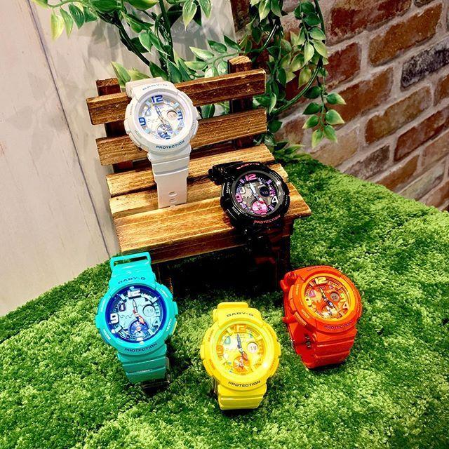【miyako5kobe】さんのInstagramをピンしています。 《baby-G【ビーチ・トラベラー・シリーズ】! . popでcuteなカラーバリエーション♡だけではなく、2都市時刻同時表示機能が搭載されるなど実用性も兼ね備えた腕時計。 小さな飛行機型をあしらったインダイアルの小針が旅行をもっと楽しくしてくれます☺︎ . BGA-190シリーズ (黒・白・黄色・オレンジ・ブルー) 【各 ¥ 15,500+tax】 . #casio #baby_g #ladies #water #traveler #beach #cute #pop #colorful #world #時計 #女の子 #可愛い #お洒落 #海 #人気 #旅行 #飛行機 #lovely #欲しい #楽しい》