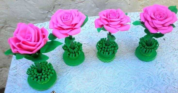 Canetas decoradas com rosas de E.V.A (SEM FRISADORES) e outros artesanat...