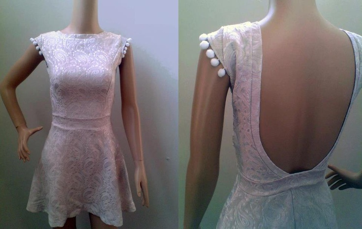 Bună dimineața fetelor!!! Am pregătit rochia perfectă pentru weekendul ce ne așteaptă :) Vouă cum vi se pare noua rochie Up ?