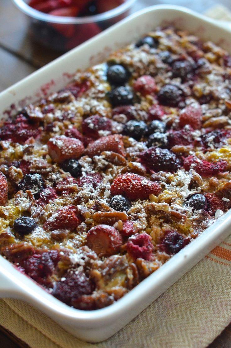Honey Berry Oatmeal #baked #breakfast #casserole http://greatist.com/eat/make-ahead-oatmeal-bakes