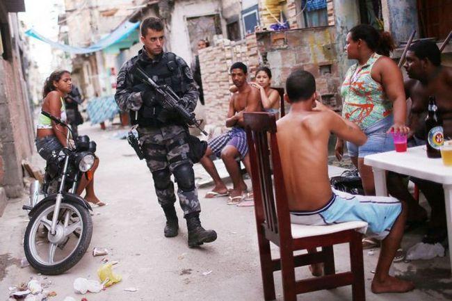 Ocupação de favelas (39)