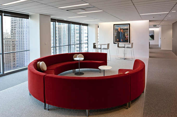 This is a great office couch for collaboration. I want it.
