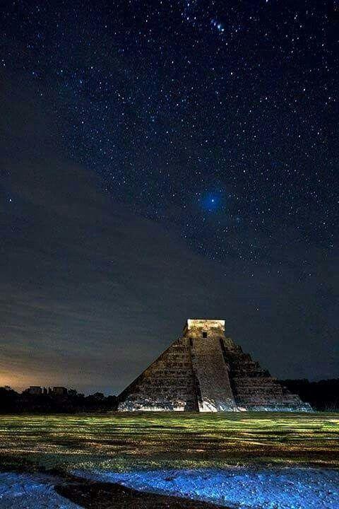 Noche en Chichén Itzá, México  ✨
