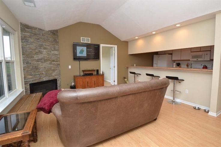 1675 Weatherstone Dr, Ann ARBor, MI 48108 - Home For Sale and Real Estate Listing - realtor.com®