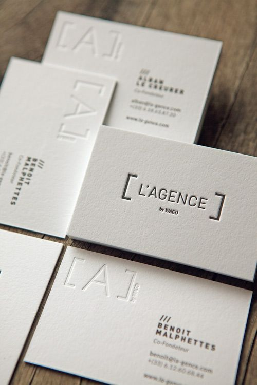 Carte de visite pour L'Agence imprimée en recto verso avec débossage sur papier pur coton fabriqué en France / letterpress business cards printed onto french white cotton paper: