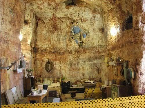 Coober Pedy, Australia's opal miners  underground homes