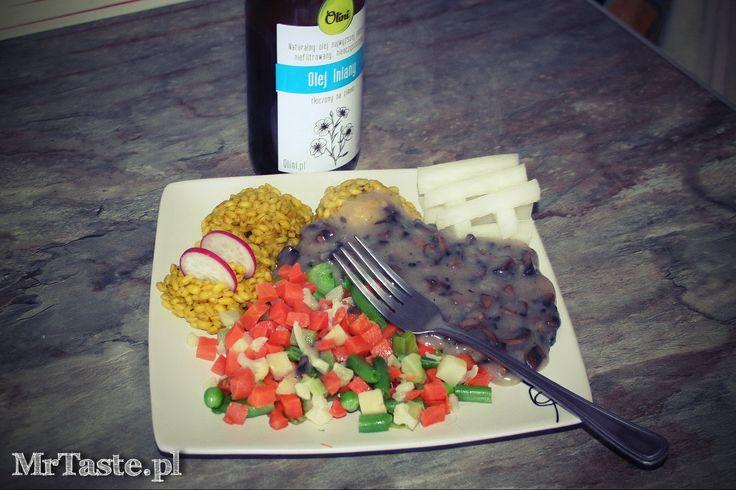 Pęczak z warzywami i sosem pieczarkowym