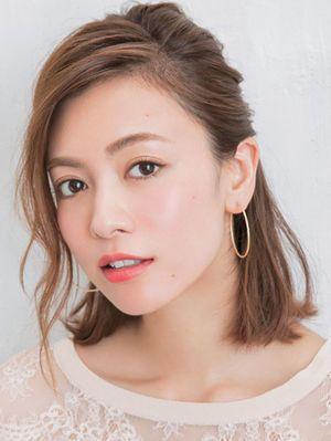 ミディアムさんにおすすめ☆セクシーハーフアップ♪ 参考にしたいデートヘア一覧。