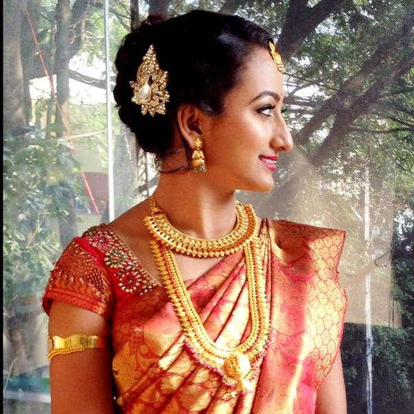 5 Charming Hairstyles For Indian Wedding Reception You Will Not Miss Either Guest Or