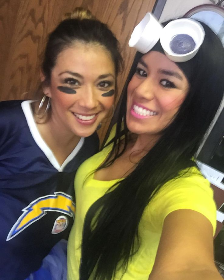 Minion  Chargers  #minion #chargers #cheerleader #dressup #day #love #halloween #homemade #costume #go #us @anboessler
