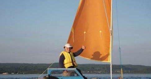 Small sailboats, sailing dinghies, coastal cruising, boat building, micro-cruising, canoes, beach boats.