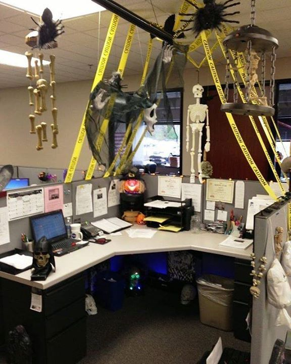 Amazing Office Halloween Decorations Ideas Halloween Autumn Fall October Office Halloween Decorations Diy Halloween Office Decorations Halloween Office