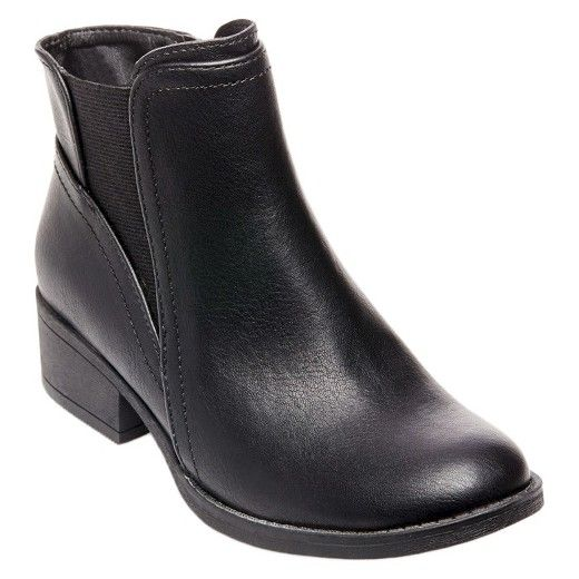 • Stylish design with wraparound buckle, faux-leather finish and wild animal print<br>• Ankle height <br>• Slip-on design with side zipper <br>• Dress them up or down for any occasion<br>• Cushioned insole<br><br>Stevies #PURRFECT Chelsea Ankle Boots will give her look the extra punch of stylish flair you're after. The eye-catching wraparound strap and dashing animal print really set these girls' boots ap...
