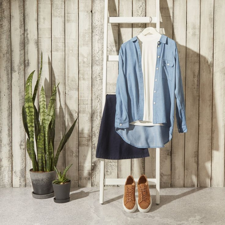 Nothing says spring like adding some denim pieces to your wardrobe. This season, it's all about light weight denim so you can keep your cool in the early sunshine of spring. Don't be afraid to mix tones of denim with each other — this isn't laundry time, so feel free to mix your darks with the lights.