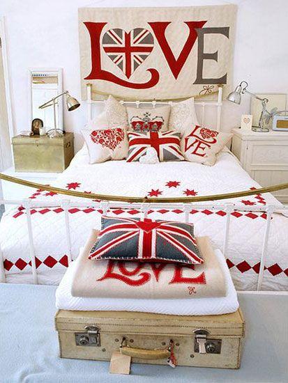 Hoy referéndum en Escocia para independizarse del Reino Unido. Lo británico esta de moda ... también en decoración. Dormitorio, bandera inglesa.