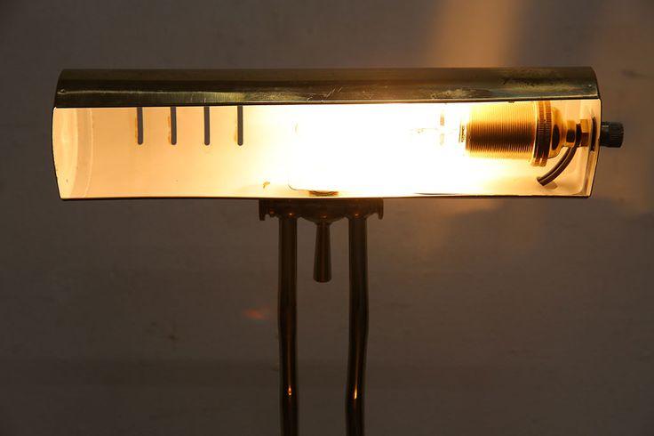 イギリス製 古い映画の書斎にあるようなデスクライト(卓上ライト、照明、ピアノランプ)