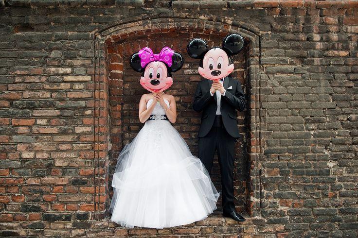 Plener ślubny Gdańsk #fotografiaslubnatorun #fotografiaslubna #plenerslubny #wedding #mickey #mouse #paramloda #instawedding