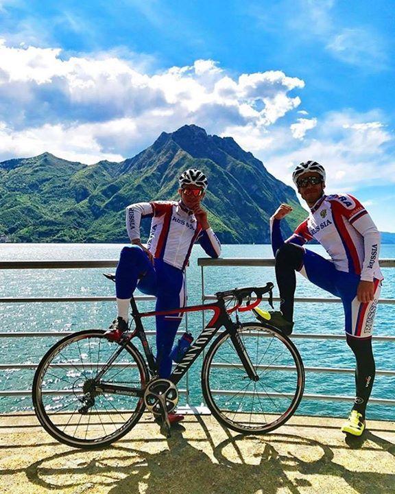 Anche i professionisti scelgono il #lagodiseo @in_lombardia! Siamo a #Castro sul tracciato della #SarnicoLovereRUN e una pausa durante l'allenamento in #bicicletta è d'obbligo. La veduta del lago da nord a sud è bellissima! Foto: @rostovtsev.s.m  #slrun #sarnicolovere #visitlakeiseo #visitbergamo #inlombardia #inlombardia365 #italiait #ilikeitaly #springinlombardia #greenandblue #lakeiseo #giannipoli #runnerslife #runners #runnersworld #cicling #ciclingday #inbici #inbicinlombardia…