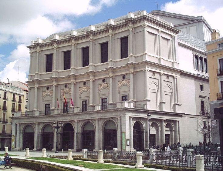 Teatro Real de Madrid, diseño inicial del arquitecto Antonio López Aguado, fue inaugurado en 1850.