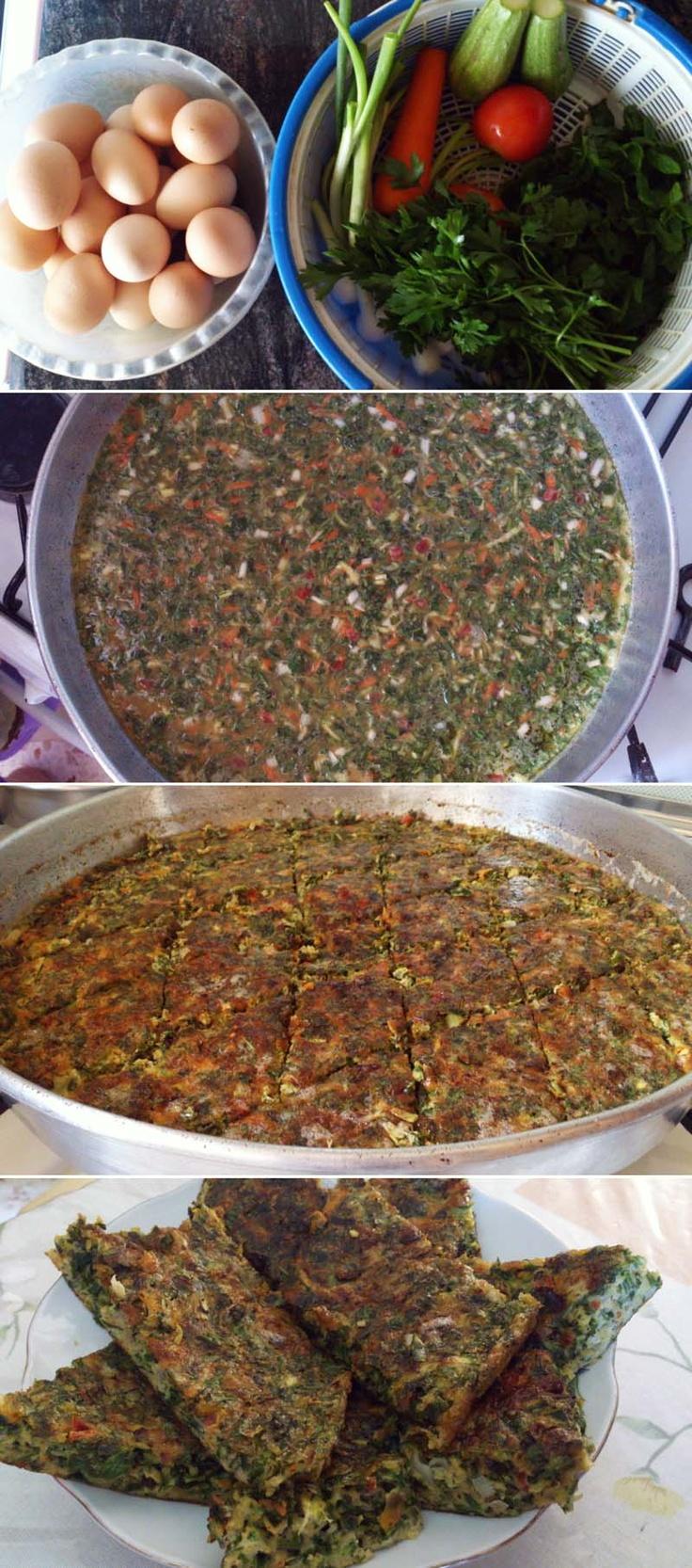 Herb + Veggie Frittata | Ejjeh b'il Saniyeh b'il Firn, via Parad@Atyab Wajba #eggs #brunch