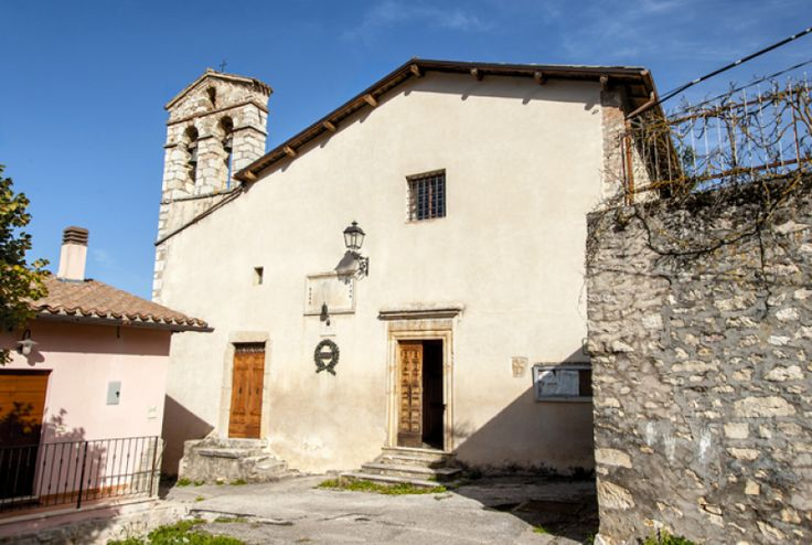 Sciedi di Cascia è una villa di transito posta in posizione eminente lungo la strada romana che, attraversando Onelli, si immetteva nell`itinerario Monteleone di Spoleto, Villa San Silvestro.