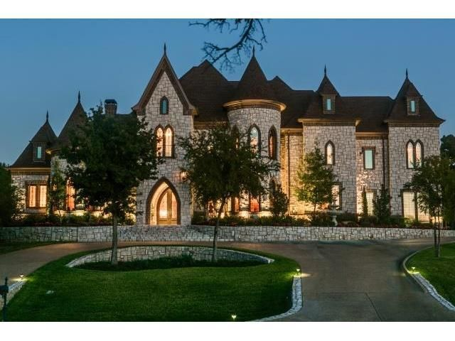 11 best castle style homes images on pinterest dream for Castle style homes for sale