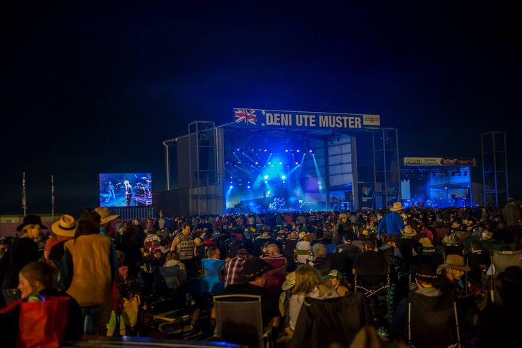 Concert crowd at the 2014 Deni Ute Muster I'm in there somewhere