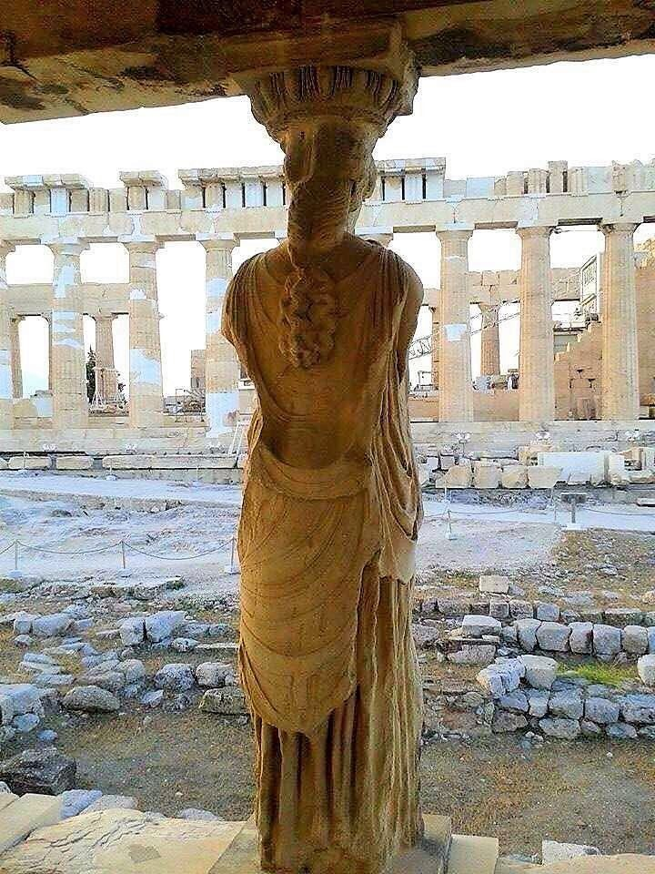 Rare vantage point from behind one of the iconic Caryatids on the 'Porch of the Maidens' provides us with a glimpse of the #Parthenon