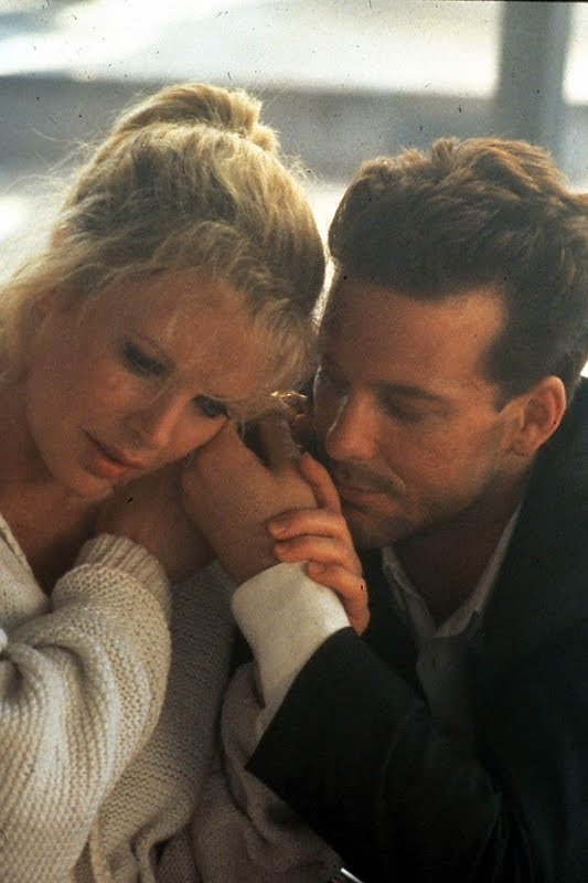 Kim Basinger and Mickey Rourke in Nine and a half Weeks (1986)