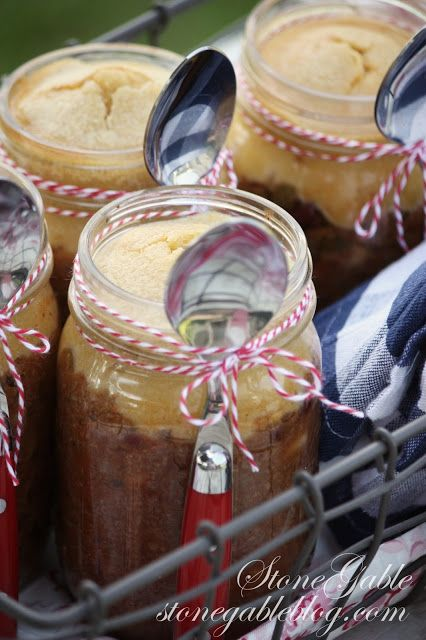 CHILI AND CORNBREAD IN A JAR- this would be such and awesome idea for a fall party or to take with us as a picnic! Maybe after we go to green bluff to see the pumpkins.
